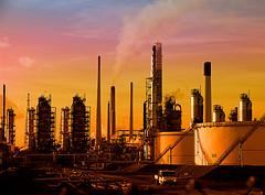Frankrijk dwingt stakers brandstofdepots te werken
