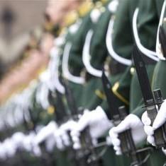 Schade aan loonstrookje militairen beperkt