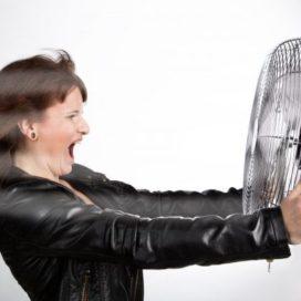 Menopauze en werk: zo maakt HR het draaglijk