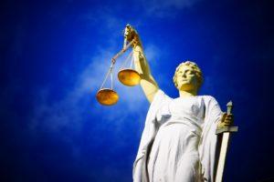Uitzendkrachten eisen gelijk loon als collega's